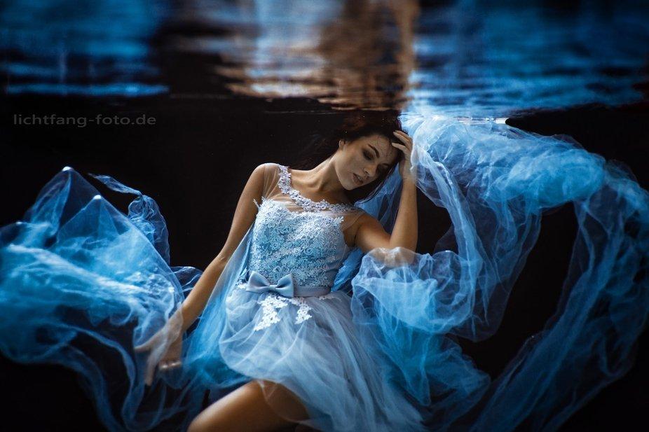 Model: Maria Nennstiel Fotograf: Christian Zink  https://www.instagram.com/unterwasser.lichtfang....