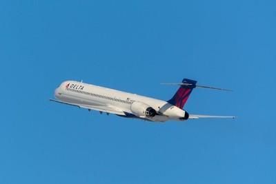 Delta Air Lines McDonnell Douglas MD-90-30(N953DN).