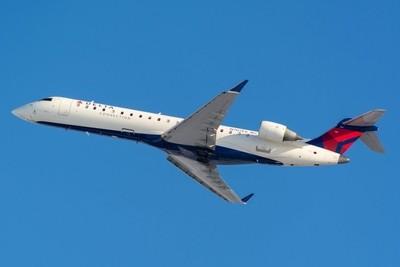 Delta Connection Canadair Regional Jet CRJ-700(N707EV).