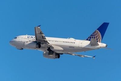 United Airlines Airbus 319-131(N827UA).