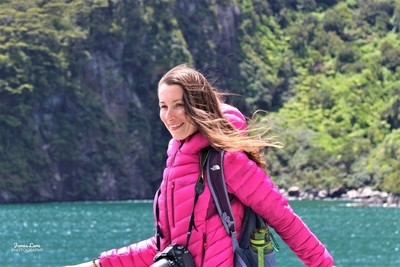 IMG_0119, Girl In Pink, Cruise Ship, Milford Sound, NZ, 10 Dec 18