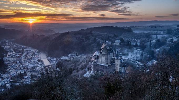 Sunrise at Vianden castle on a cold january day, Vianden - Luxembourg