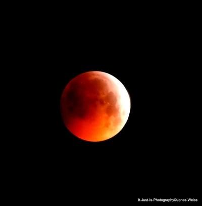 Fullmoon lunar eclipse I