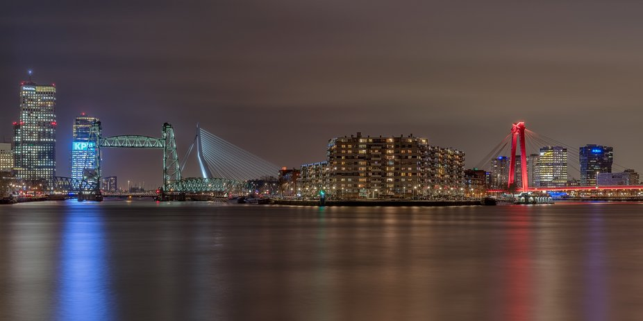 The Skyline of Rotterdam with the 3 known bridges