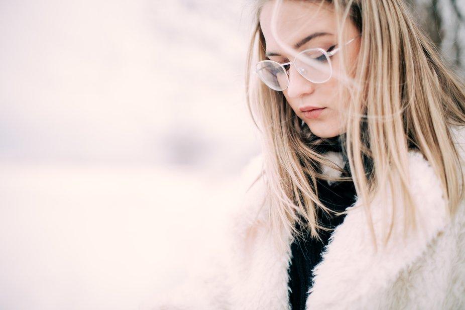 portrait, winter, glasses, depth