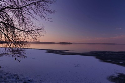lake mendota before a full freeze