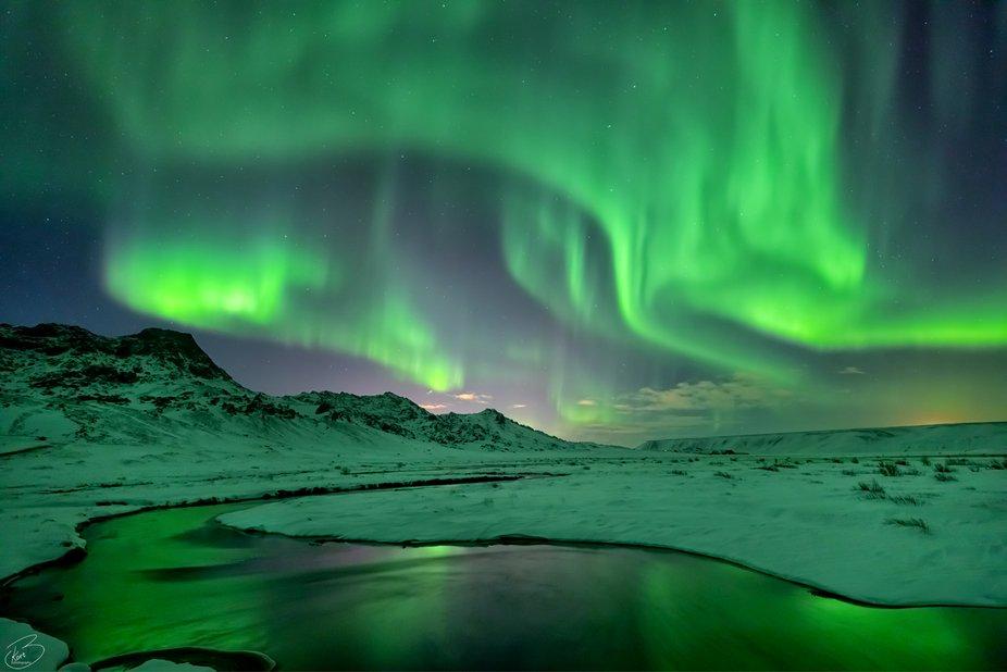 Northern light hunt with ArcticShots.is