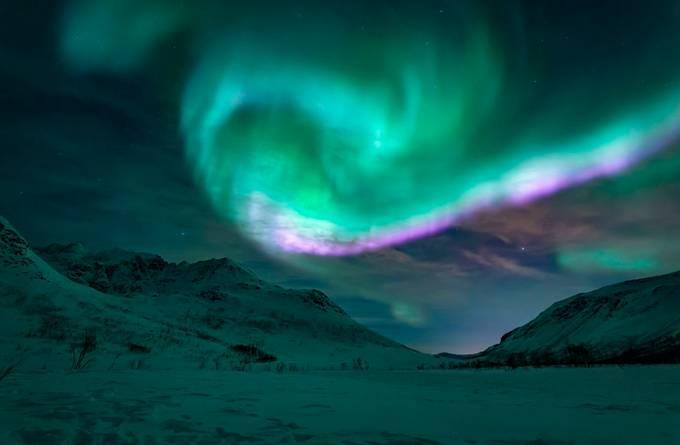 Aurora Show off by paaluglefisklund - The Sky Photo Contest