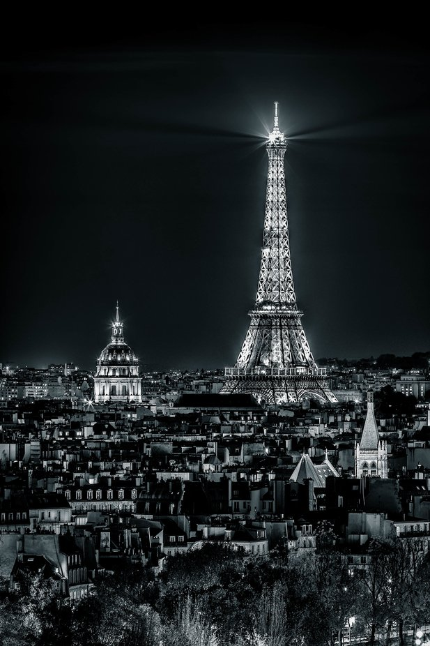 Hotel of the Invalides and the Eiffel Tower by night by FredericMONIN - Social Exposure Photo Contest Vol 20