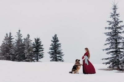 Maternity portrait with dog