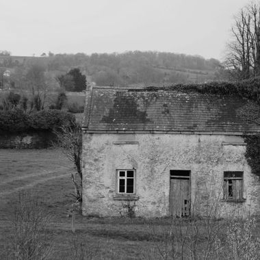 I often wonder who lived in the cottages, what became of them?