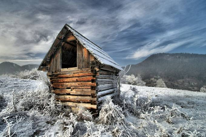 Sennik na Ravnom dieli by pcerveny - Isolated Cabins Photo Contest