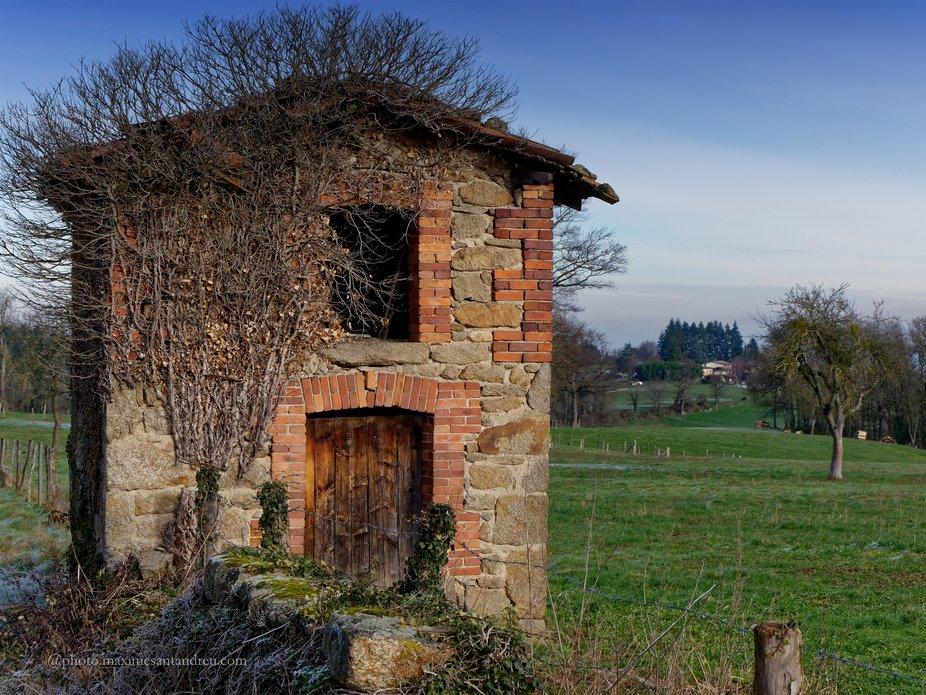 Abandoned vineyard house in Auvergne - France