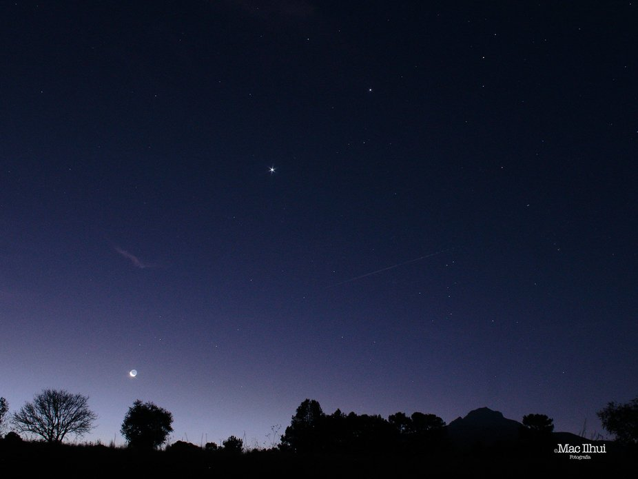 Moon, Saturn, Venus, Jupiter and a Mountain.  Canon T3i, 8 seconds (1shot), f10, ISO1600, EF-s18-...