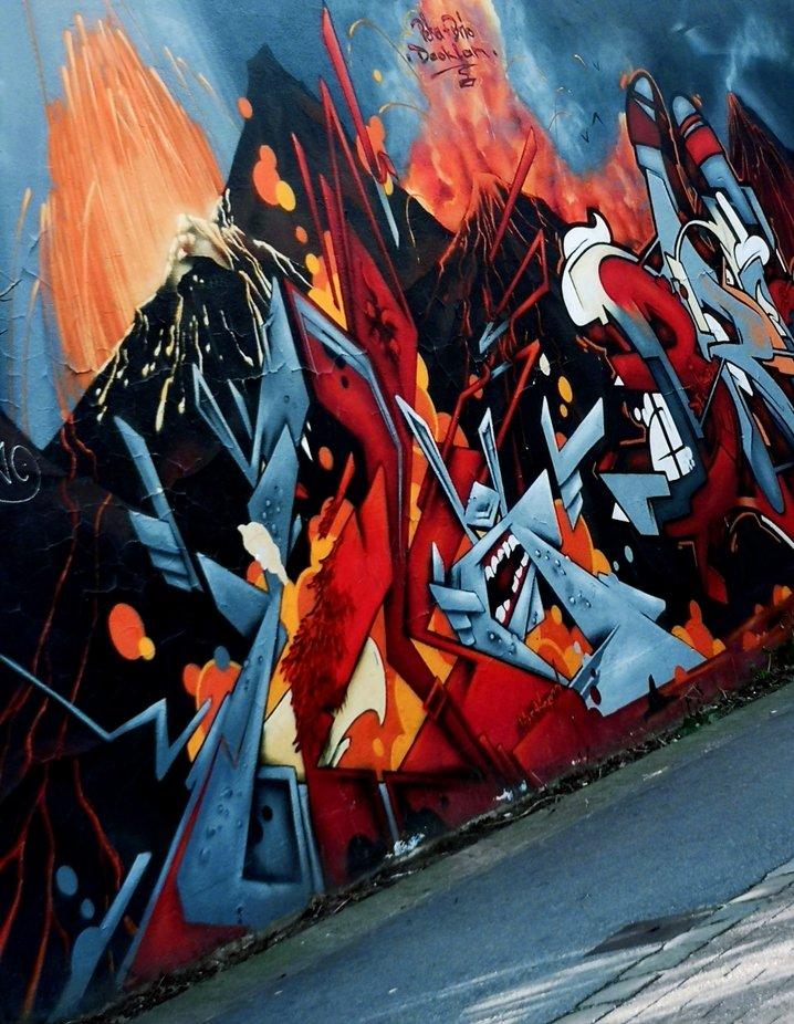 Auf dem Weg in die Stadt sah ich die schöne Wand