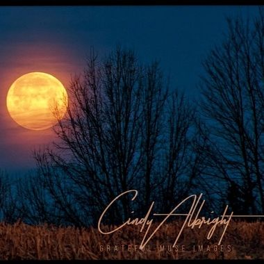 The rich colors and free spirit of this Super Snow Moon bring out the Hippie in me!