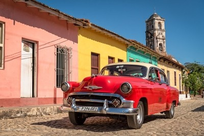 Colors and vehicles in Cuba
