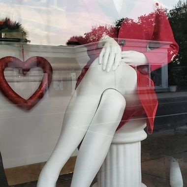 Through a st.Augustine, Florida shop window I caught this awesome shot.
