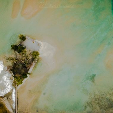 Lake Thun has less water during this season. That gives very spectacular pictures from the air.