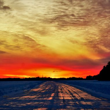Driving back to the Voyageurs Nat'l Park Visitors Center on the parks plowed ice road on Rainy Lake Nikon D 3400 vivid