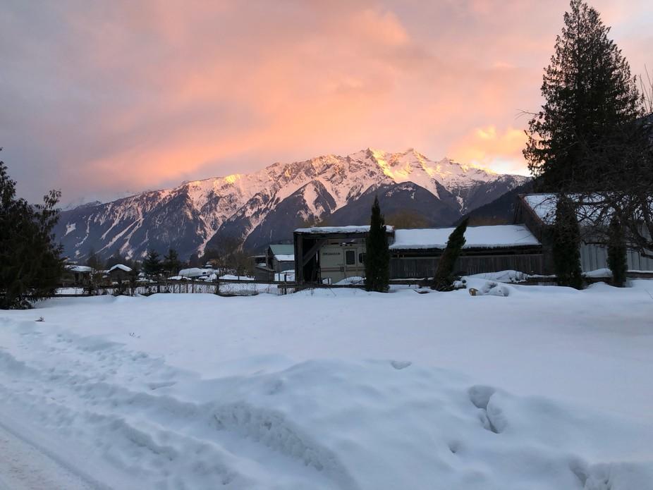 Alpen glow Mount Currie ,Pemberton B.C.