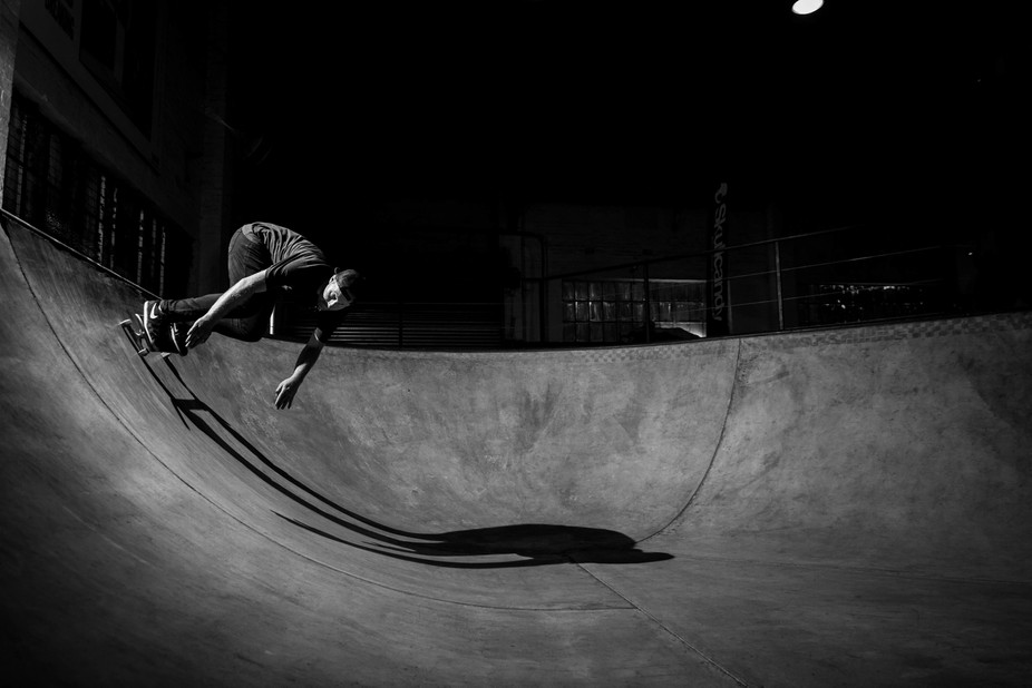 This is a beast of a bowl. Marius asked for a bit of a throwback to old school skating photos, an...