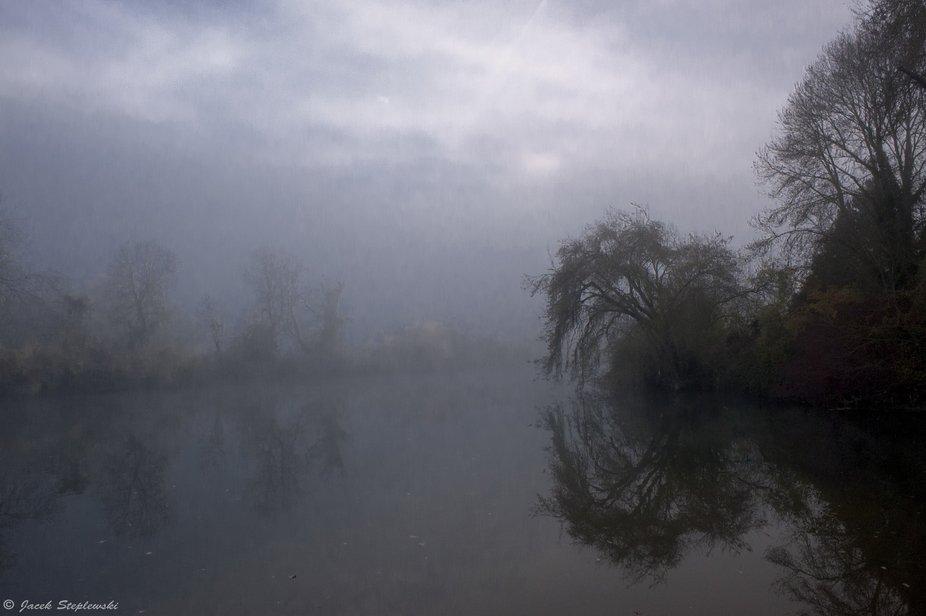 Misty morning on Seine
