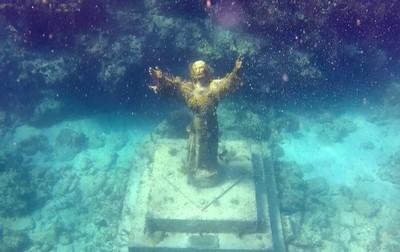 Jesus of the reef
