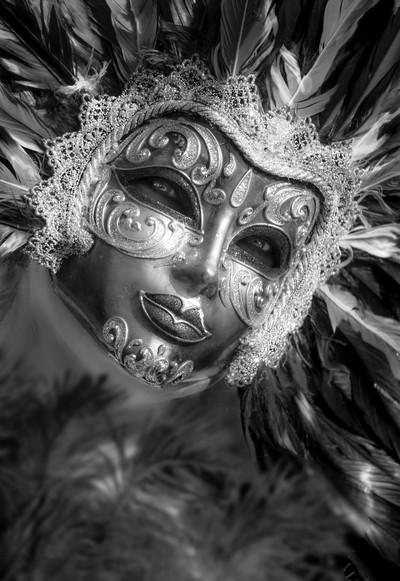 La Regina del Carnevale in bianco e nero