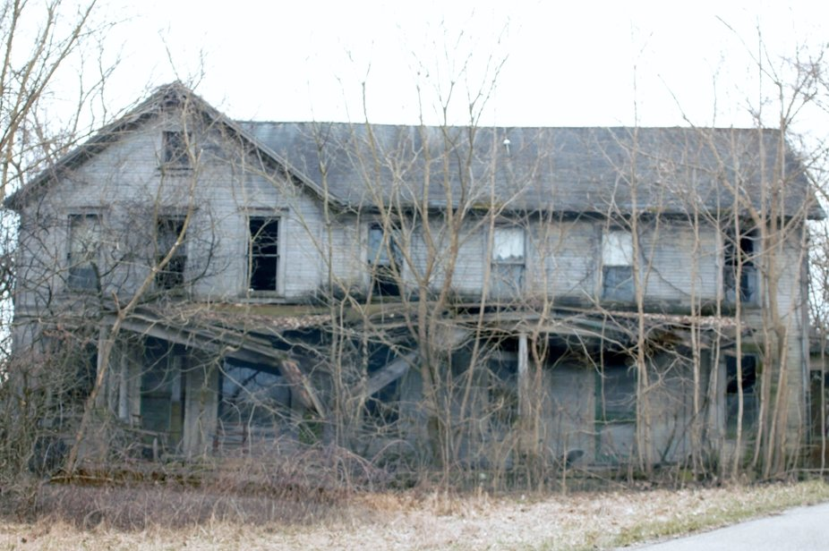 Driving through Tuscon, Ohio, you will find this abandoned home.
