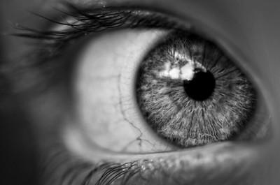 Eye B-W