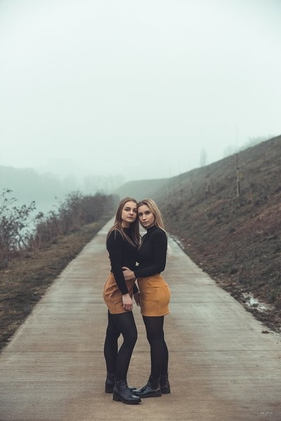 Emma & Julie