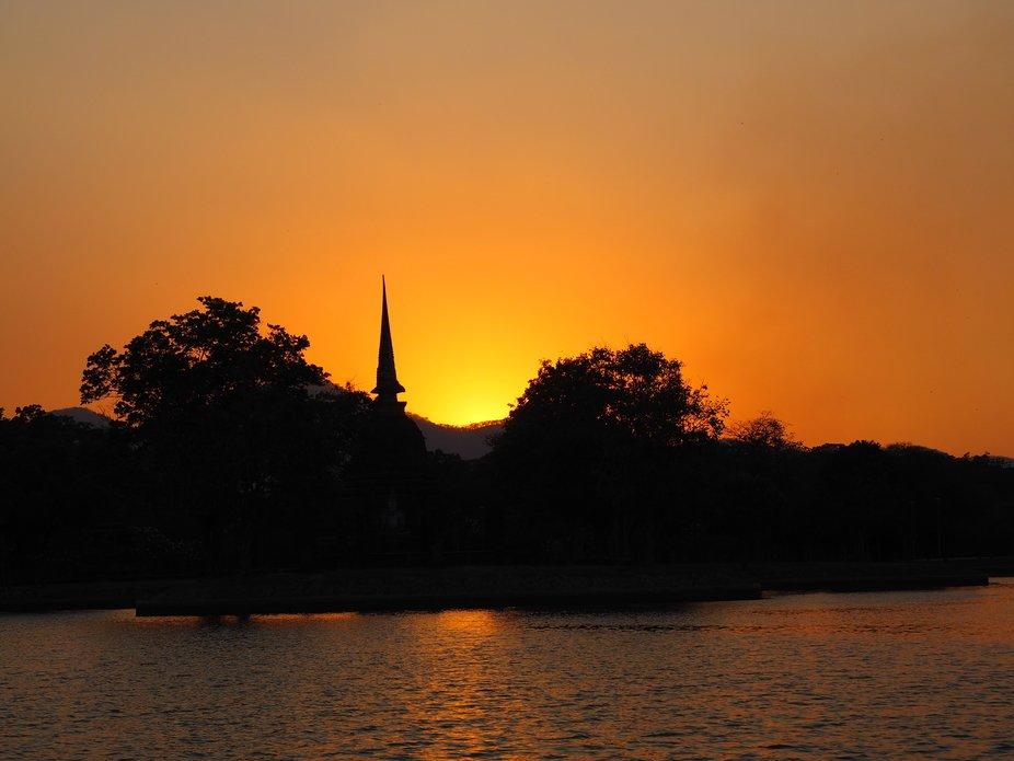 Sunset at six o'clock