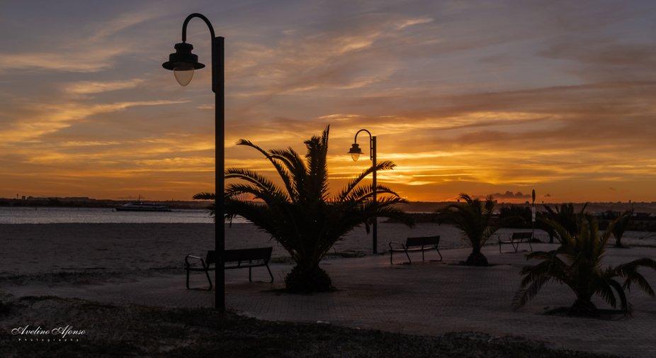 A magia do por do sol,num sereno entardecer na praia de Alburrica