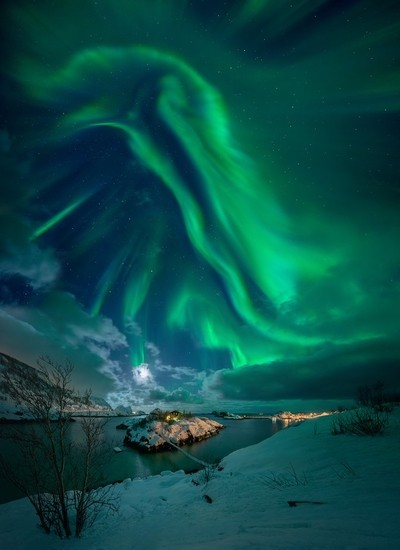 Aurora over Sandvikholmen