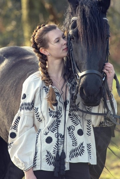 """""""The essential joy of being with horses is that it brings us in contact with the rare elements of grace, beauty, spirit and freedom.""""  ~ Sharon Ralls Lemon"""