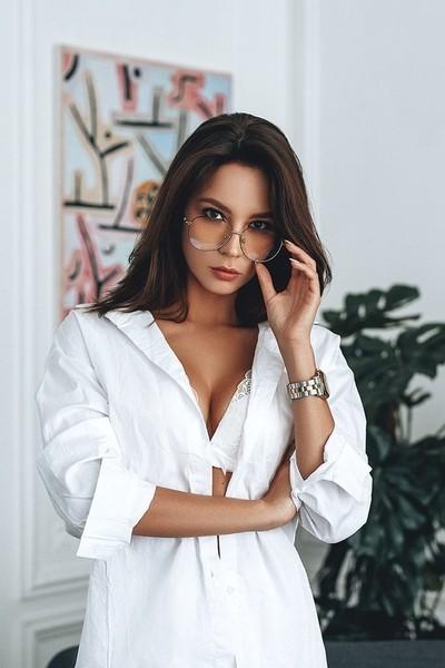 Victoria | Liliya Nazarova