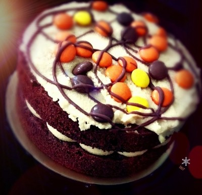 Reese Pieces cake