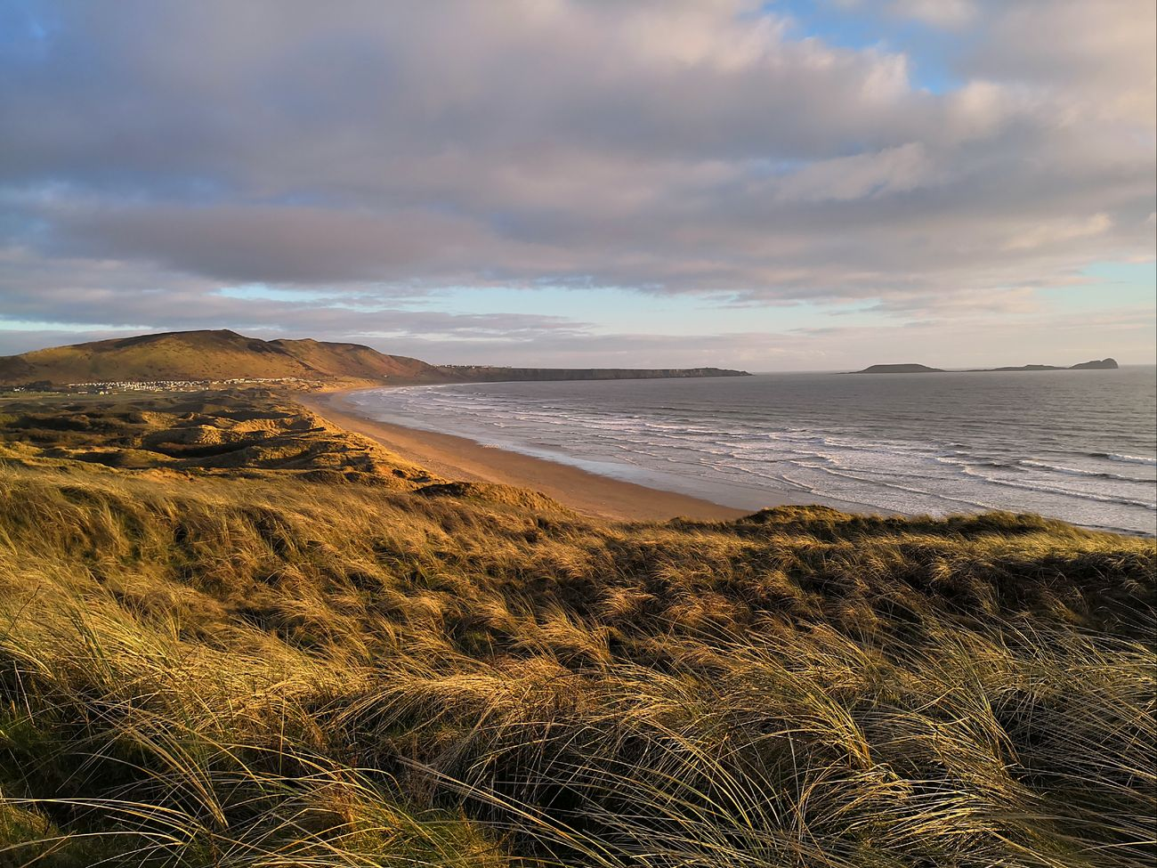 Sand dunes and evening sun from Spaniard's rocks to