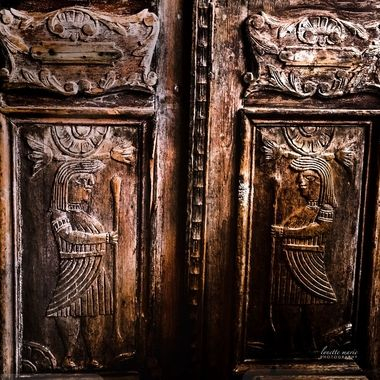 Carvings in Wood Door