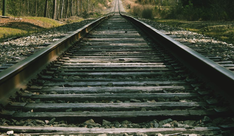 Figured I'd try my hand at a railroad track shot.