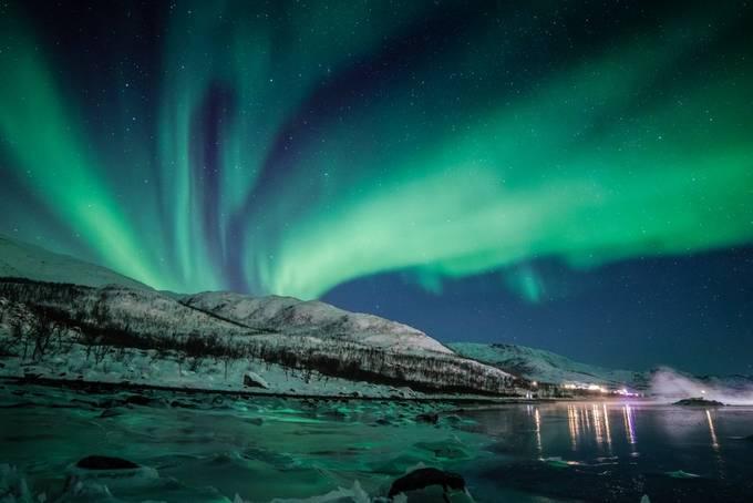 Green ice by Lorenzoragazzi - The Sky Photo Contest