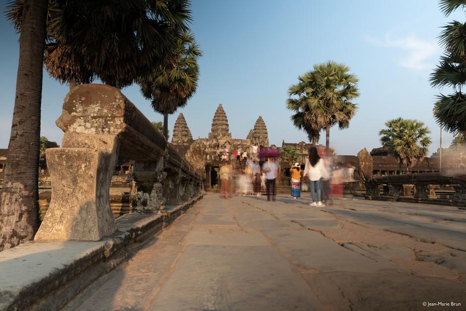 Angkor pavement