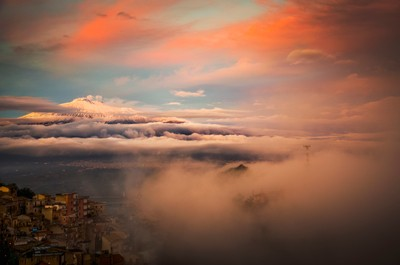 The foreshortening of landscape wrapped in fog