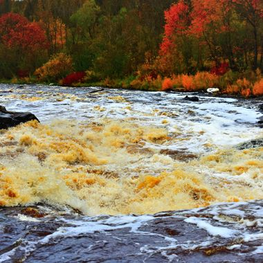 High water at rapids in Bigfalls, Mn.