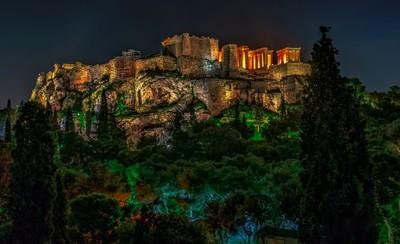 Akropolis by Night.
