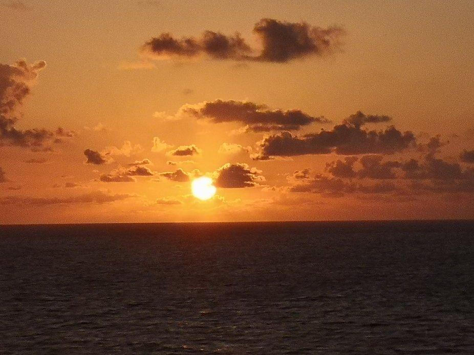 Mit dem Katamaran in den Sonnenuntergang