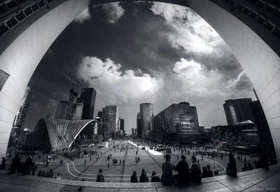 La Defense square