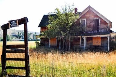 Falling Apart in Hamilton Montana