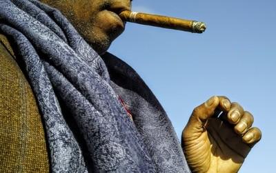 Spring Day Cigar (_P2M2189.JPG)